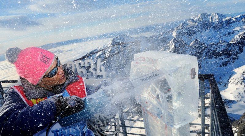 Prvú ľadovú sochu na Lomnickom štíte vytvorili sochári z Mongolska